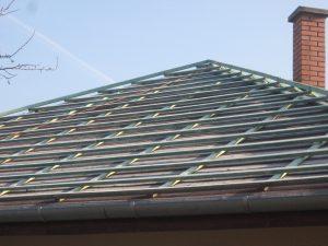 Lécezés a tető egy másik felületén.